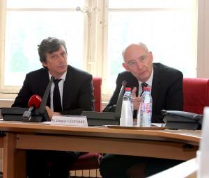 MM. Assouline et Legendre au cours de la conférence de presse