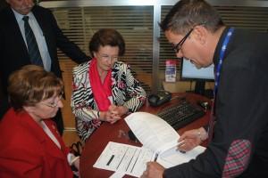 DSC 1131 300x200 Déplacement à Lyon : les rapporteures prennent connaissance de l'application de la réforme du crédit à la consommation sur les lieux de vente